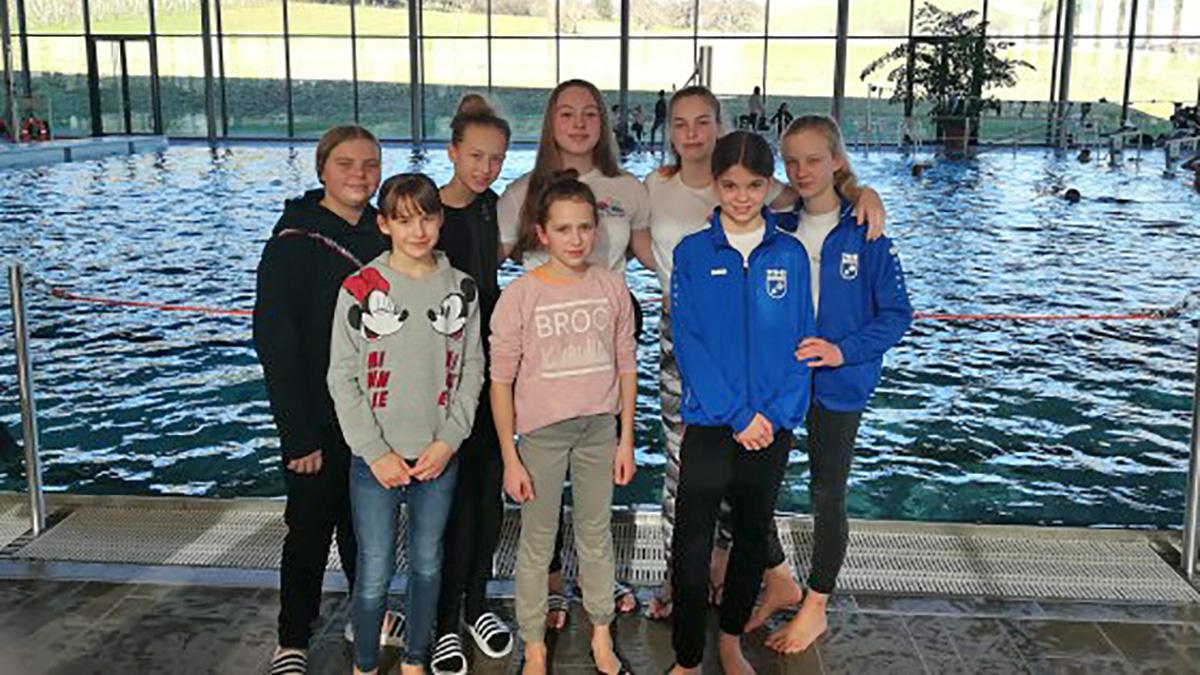 HGÖ-Schwimmerinnen sechstbeste Mannschaft